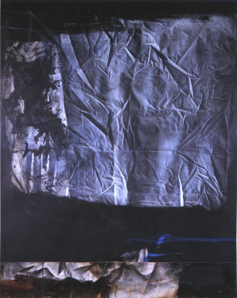 Toile froissée sur fond noir - Antoni Clavé